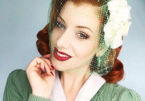 vintage hairstylist Miss Victory Violet