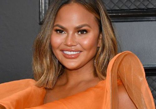 Chrissy Teigen with a face framing bob