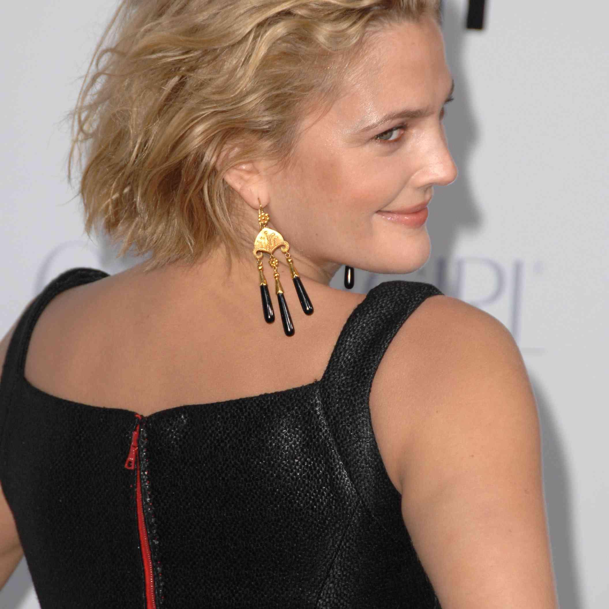 Drew Barrymore - Long Pixie Cut