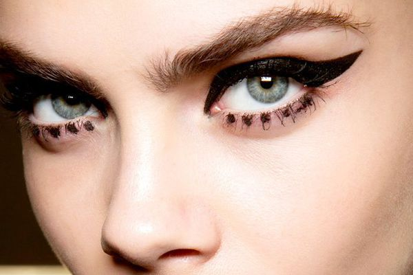 woman with black eyeliner