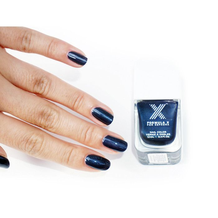 Navy blue mani
