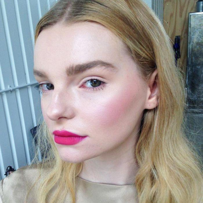 model skincare secrets: Jasmine Isabella skincare selfie