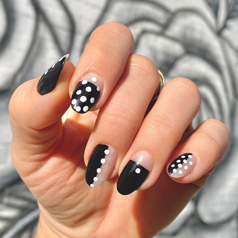 polka dot mani nail art