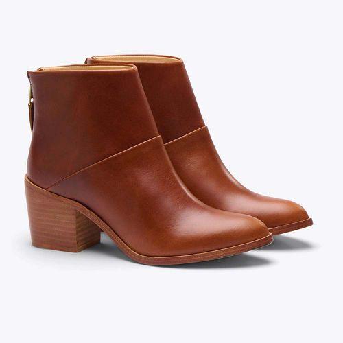 Dari Boots ($230)