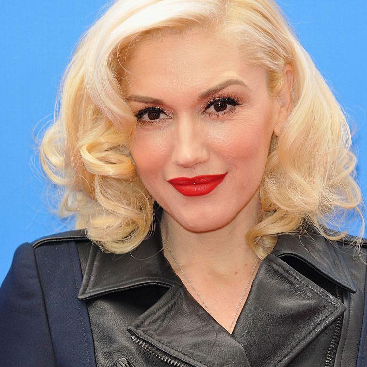 Gwen Stefani platinum retro curly bob