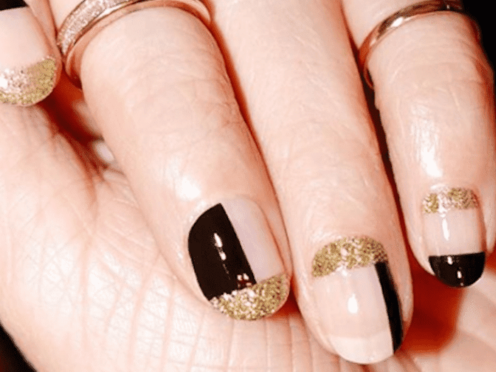 These 30 Elegant Manicures Prove Black And Gold Nails Are Always In Season