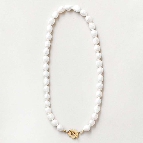 Lola Pearl Necklace in Gold ($160)