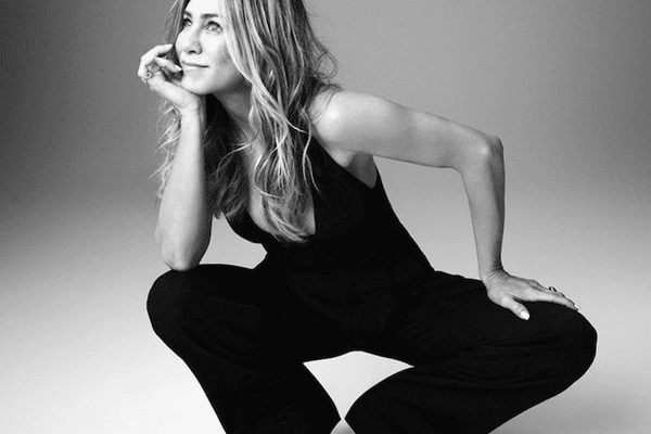 Jennifer Aniston for LolaVie
