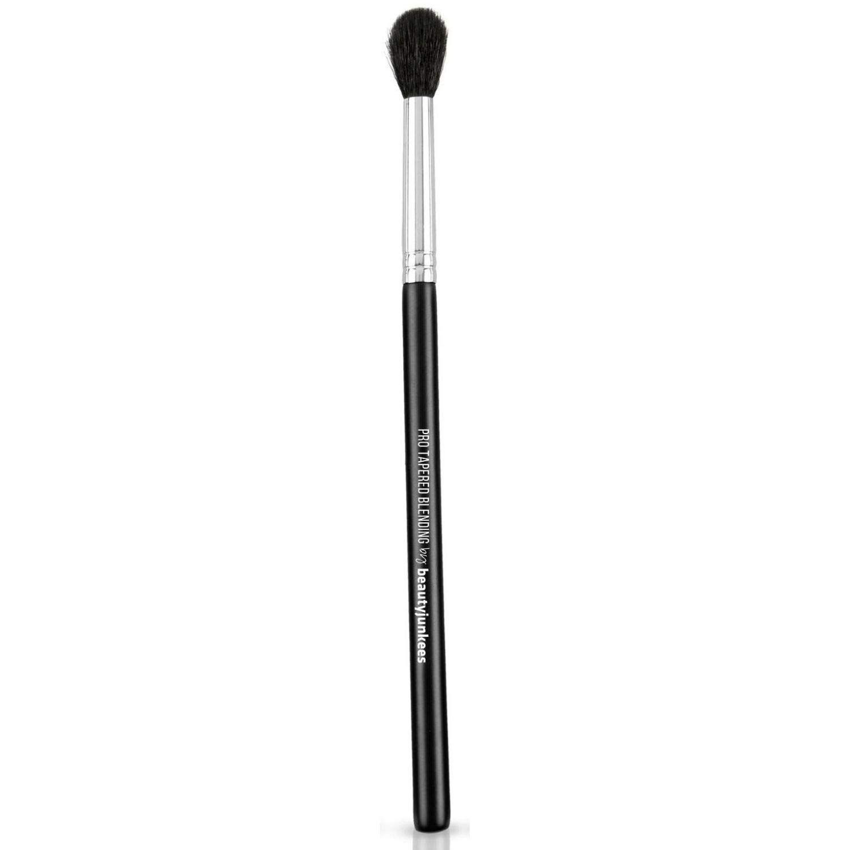 Tapered eyeshadow brush