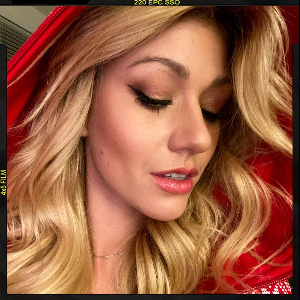 Zoom Date Katherine Mcnamara S Fitness And Beauty Routine
