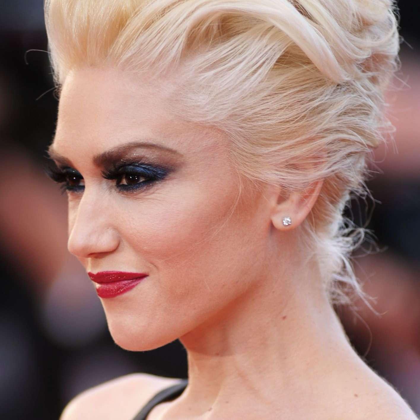 Gwen Stefani with a volumized pompadour