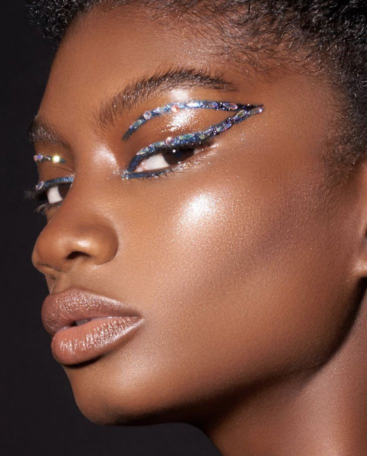 40 Glitter Eyeshadow Looks To Try From