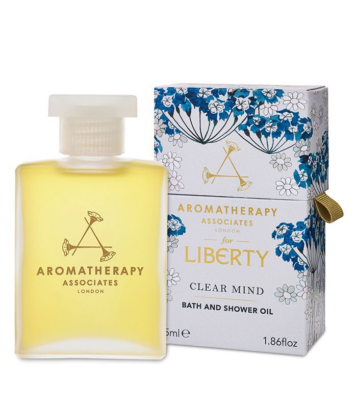Stress-relieving beauty products: Aromatherapy Associates Clear Mind Bath & Shower Oil