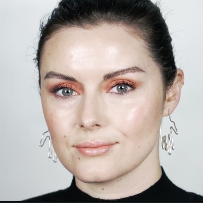 how to apply copper eyeshadow: Katie Jane Hughes wearing copper eyeshadow