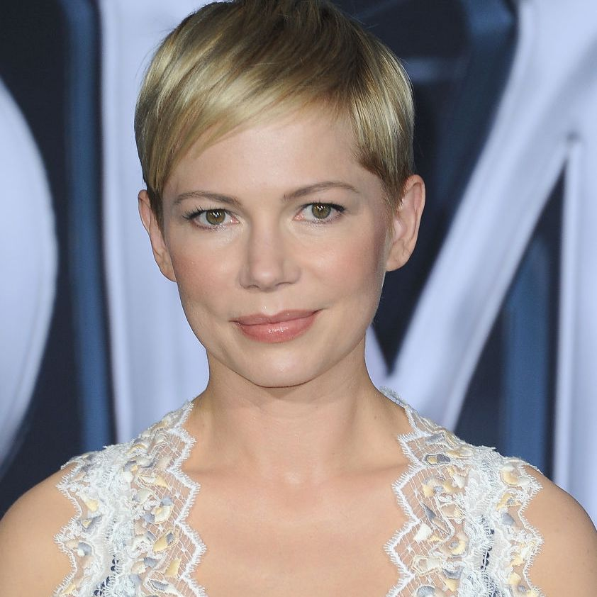 20 Flattering Short Hairstyles For Round Face Shapes