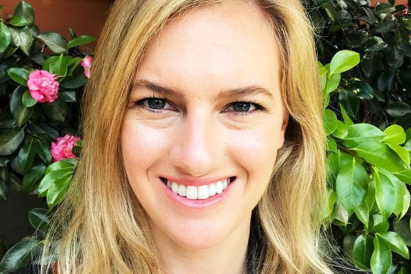 Megan Beauchamp reviews Hourglass Cosmetics foundation.