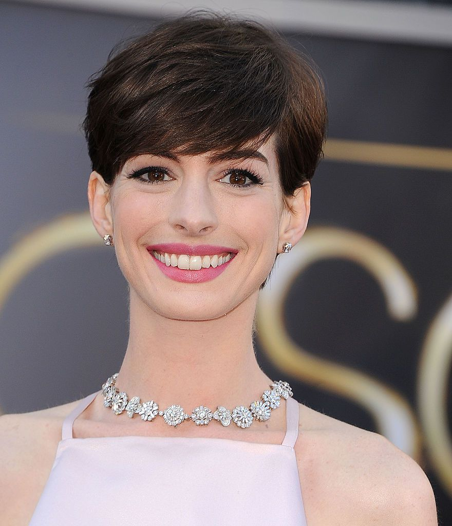 Anne Hathway pixie cut with feathered bangs
