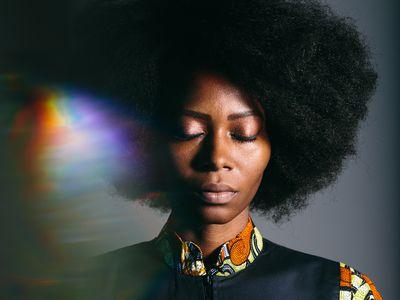 woman natural afro hair