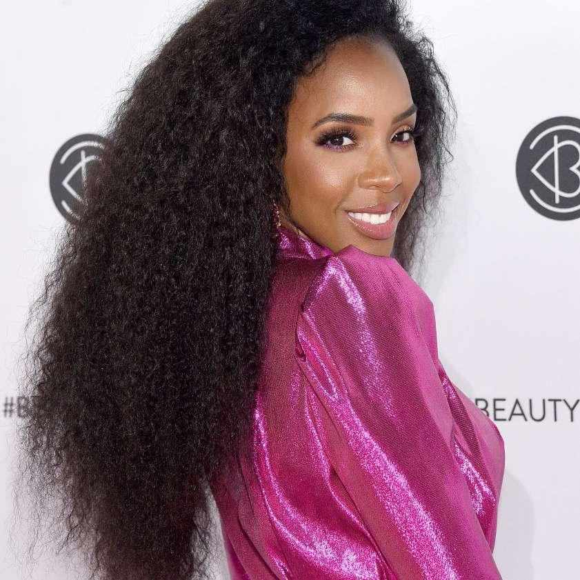 Kelly Rowland long natural hair