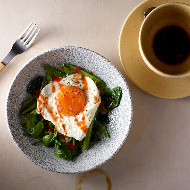 egg and spinach salad with coffee