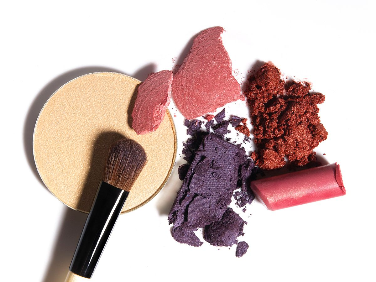 How To Sanitize Makeup The Complete Guide