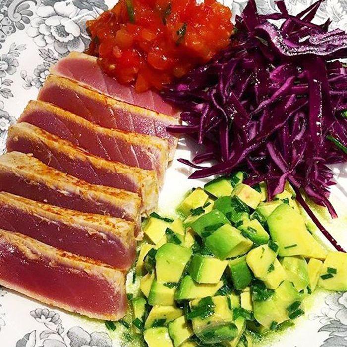 Seared tuna with slaw and avocado