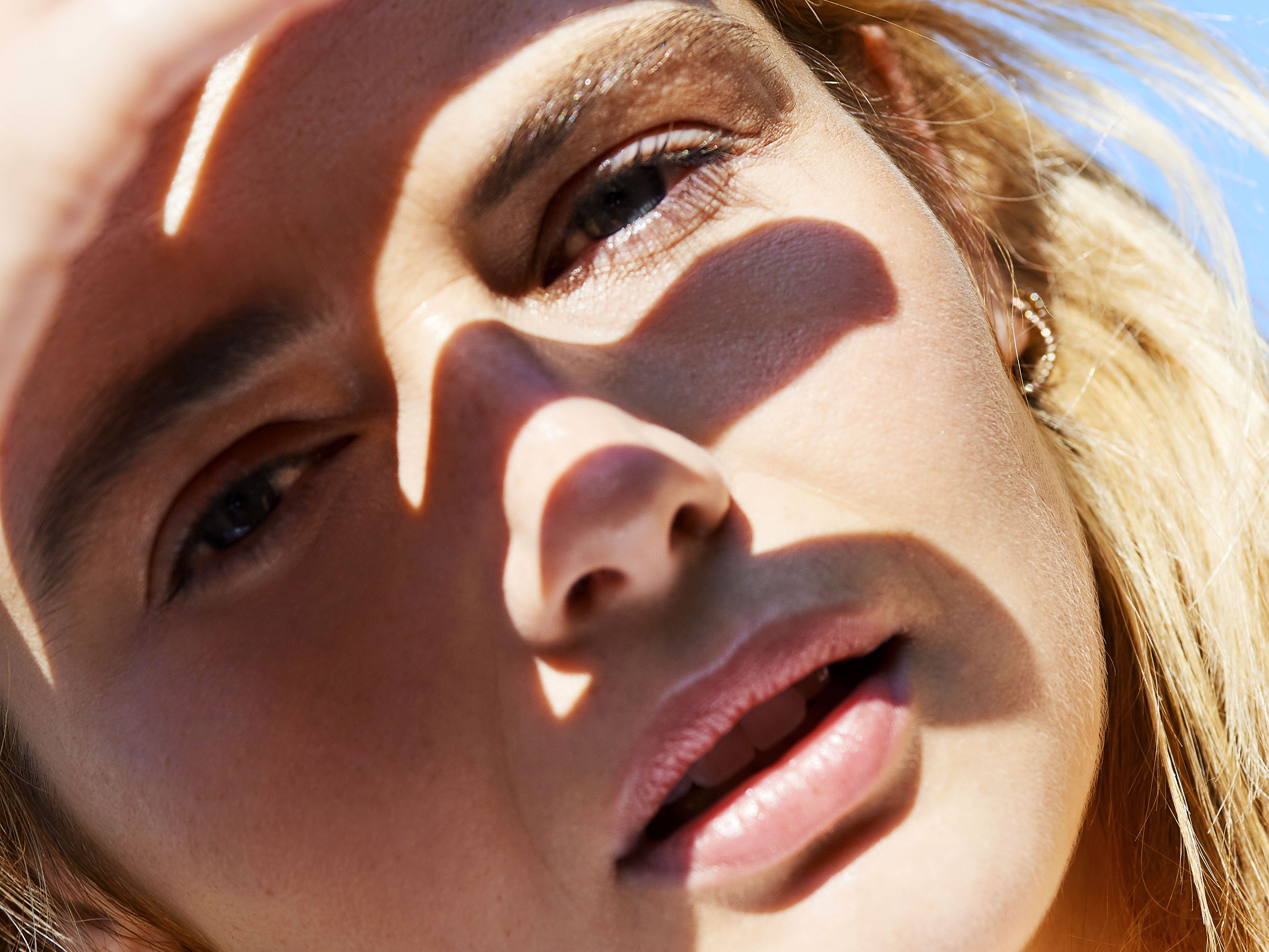 How do you get rid of redness from acne