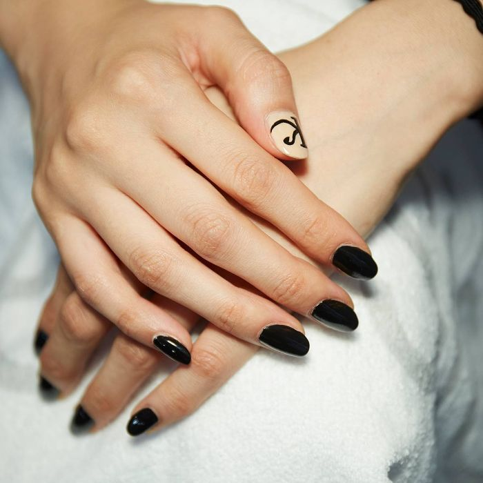 Logo manicure
