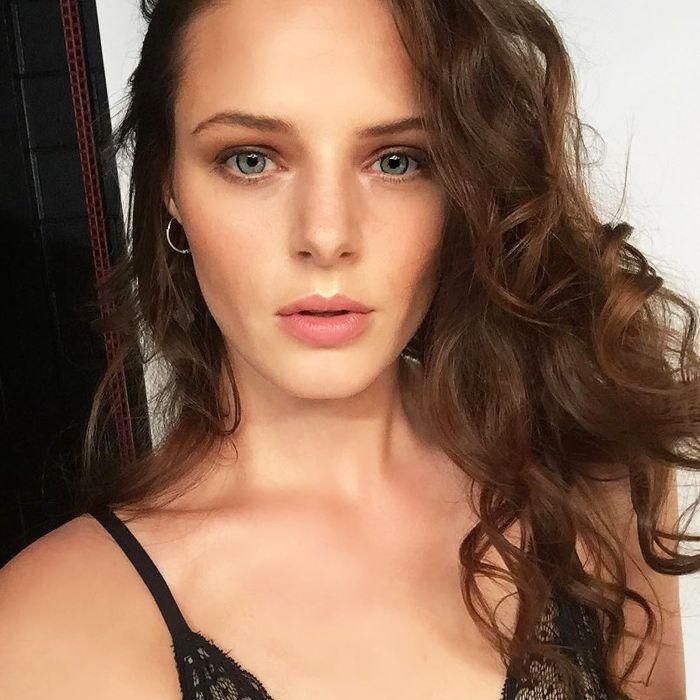 model skincare secrets: Mina Kerr-Lazenby skincare selfie