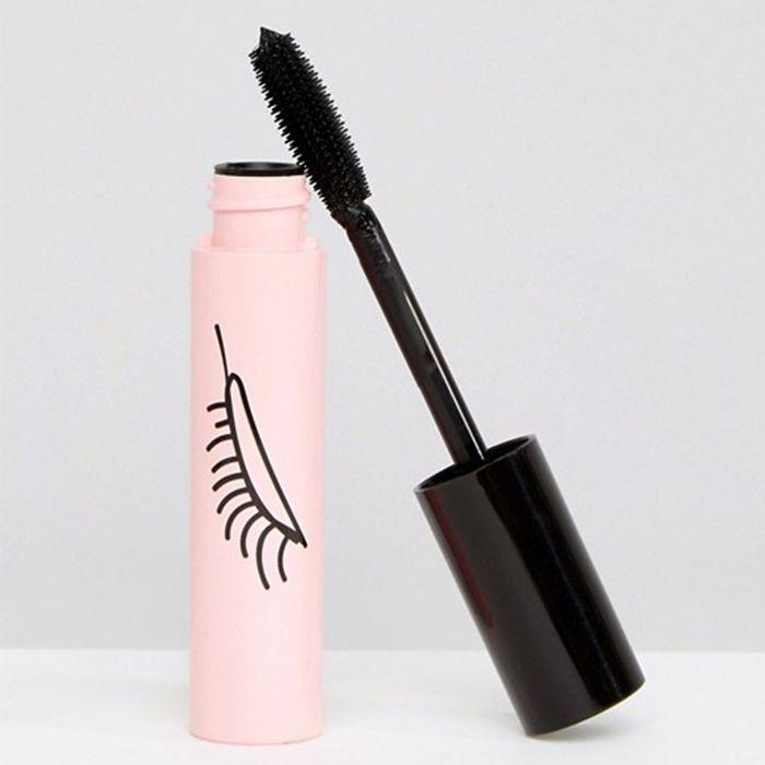 Celine Bernaerts makeup tutorial: ASOS Design Makeup Mascara in Bossy
