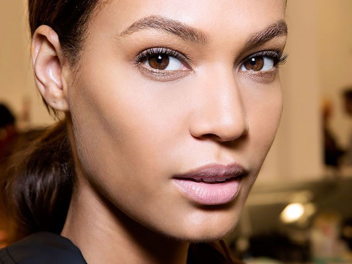 10 Makeup Tricks for Girls With Narrow Faces