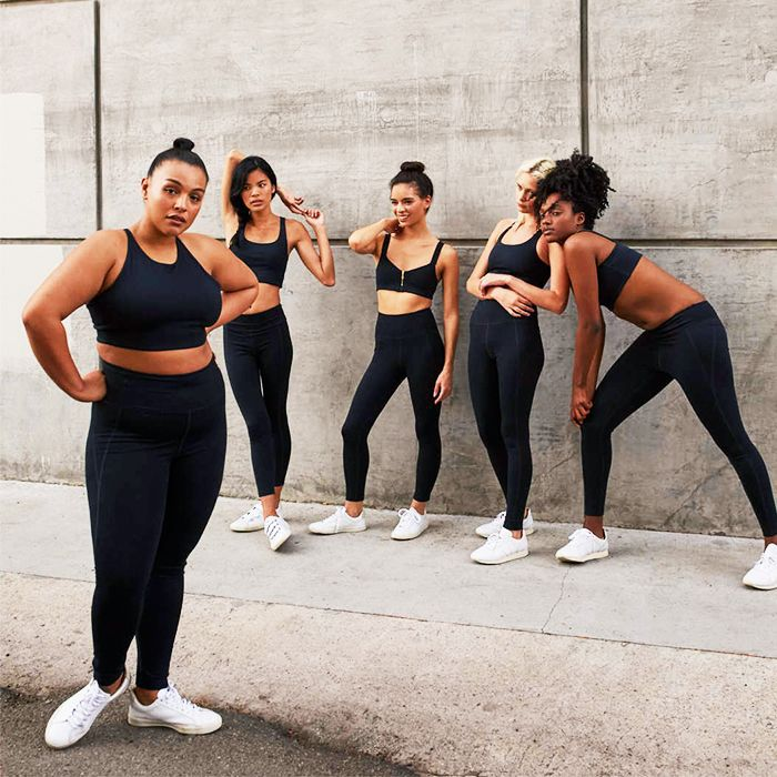 Free online workout videos: group of women exercising