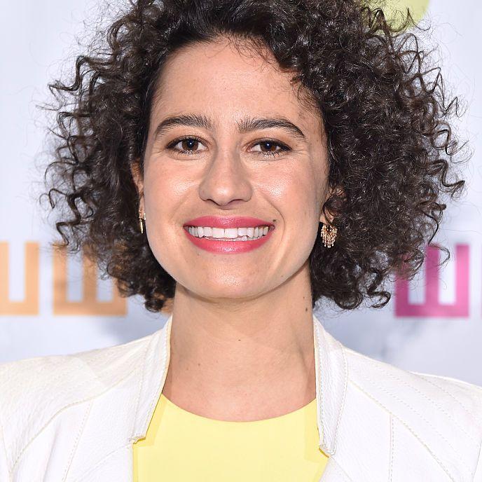 Ilana Glazer curly mop