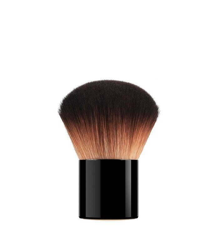 Foundation Tips: Armani Beauty Neo Nude Kabuki Brush