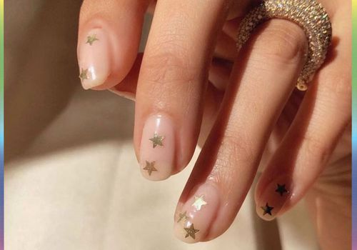 woman with star manicure