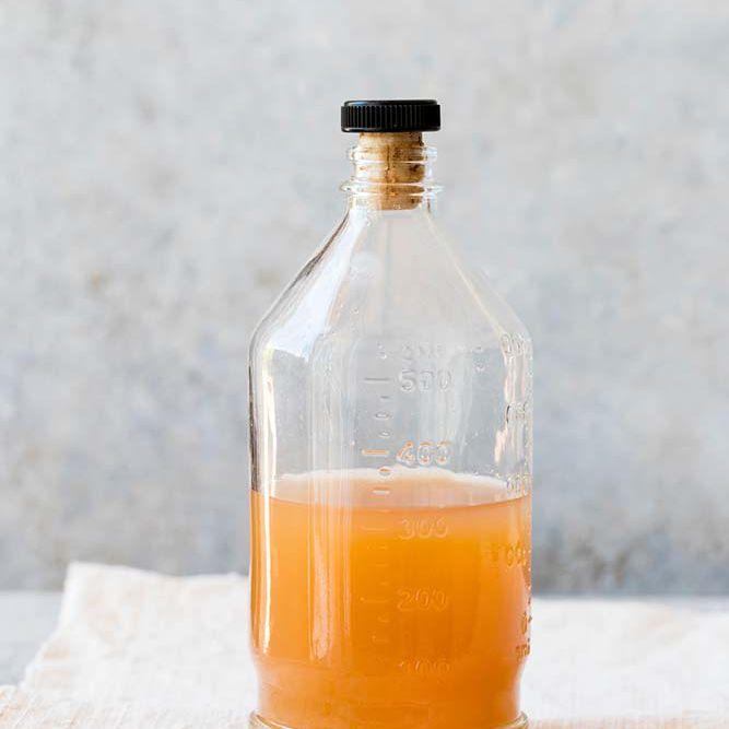 bottle of raw apple cider vinegar