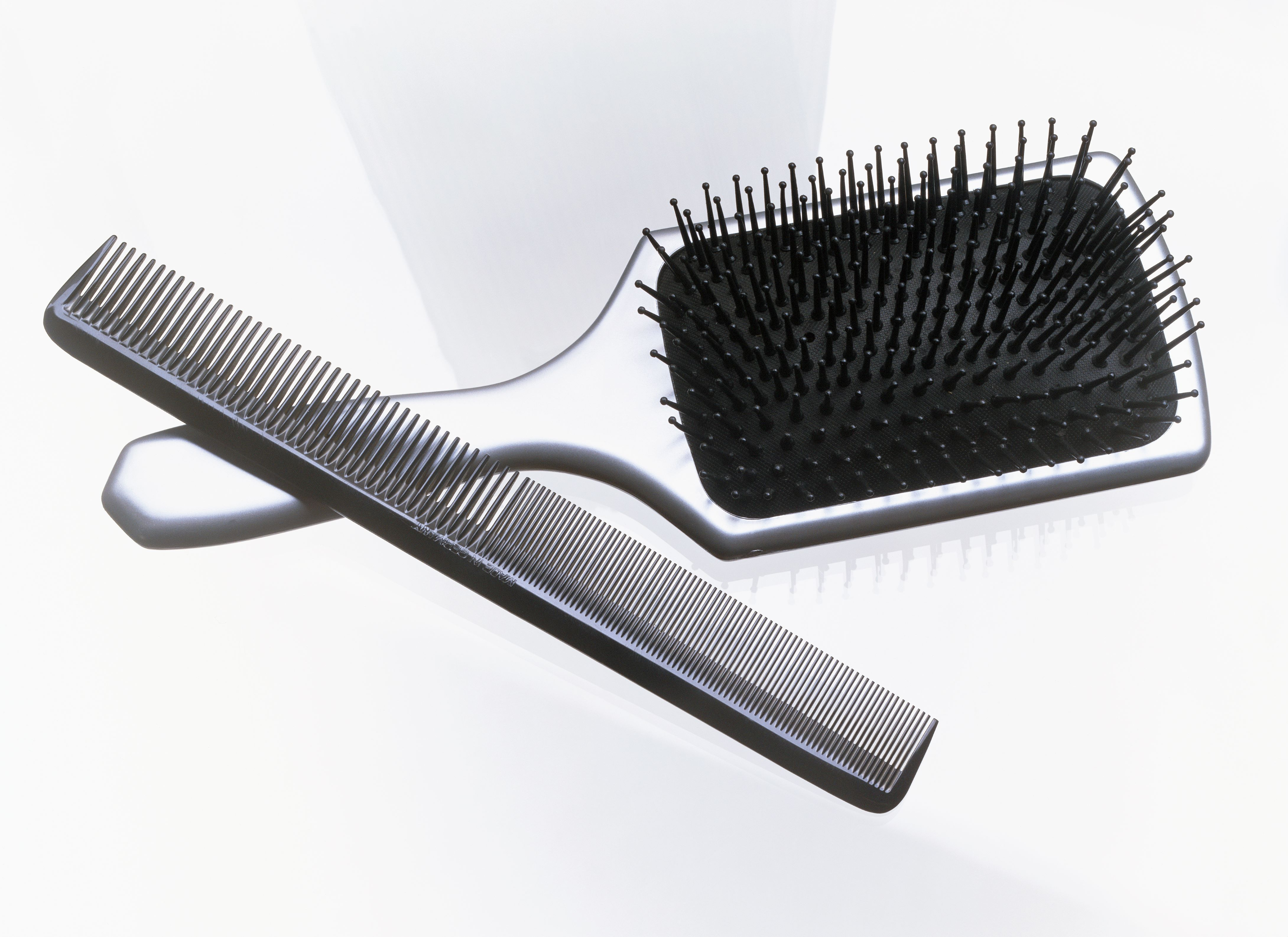 How to Clean Combs and Brushes: Tutorial