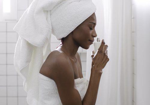Cheap affordable perfume women smelling perfume