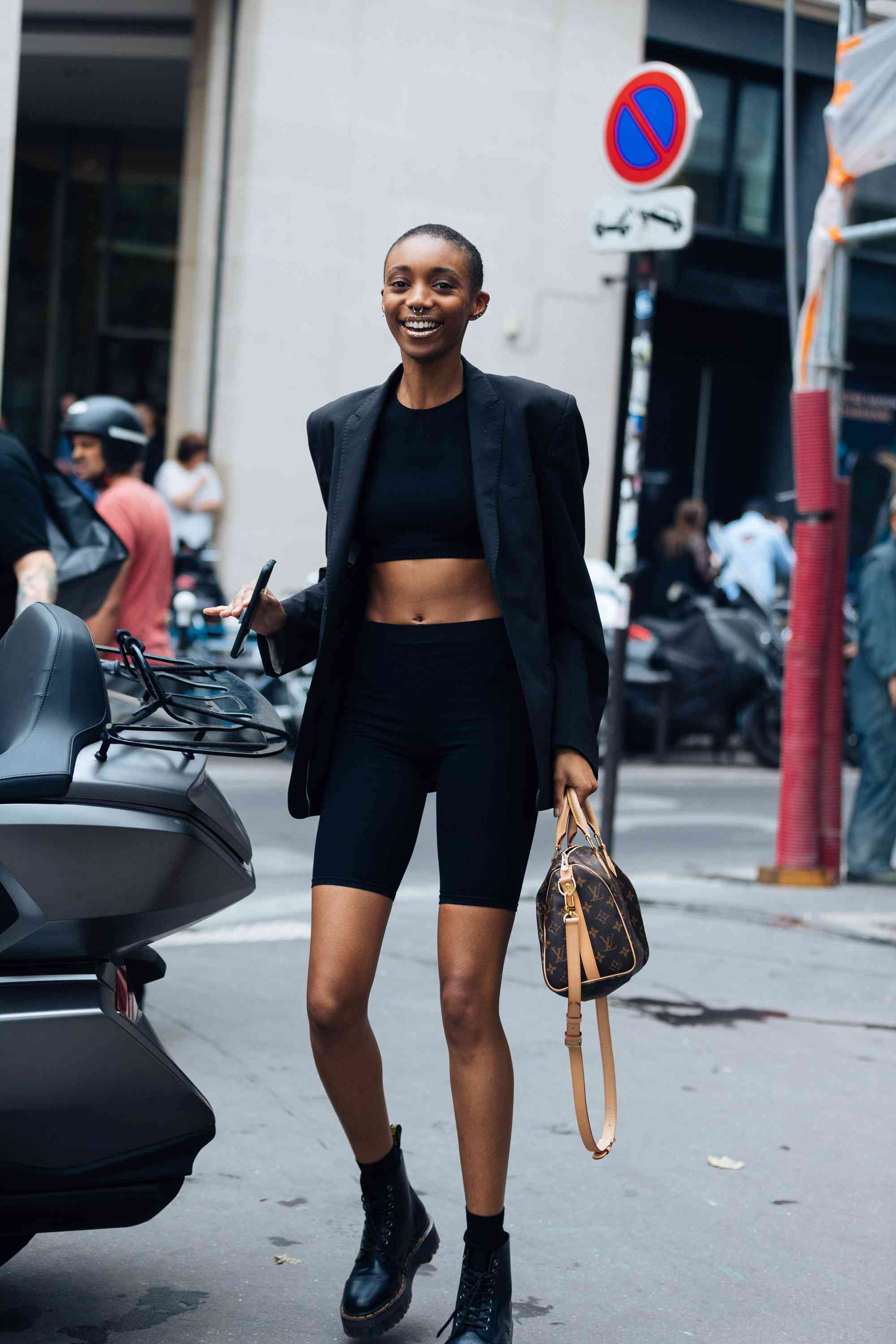 Dr. Martens Outfits Athleisure Street Style