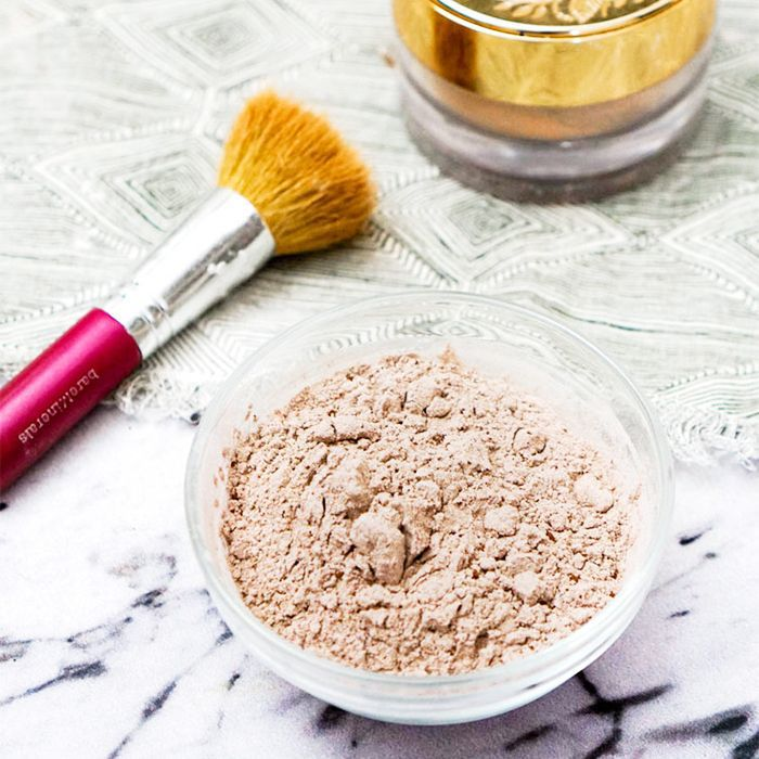 Zero waste beauty: Powder foundation recipe from Going Zero Waste