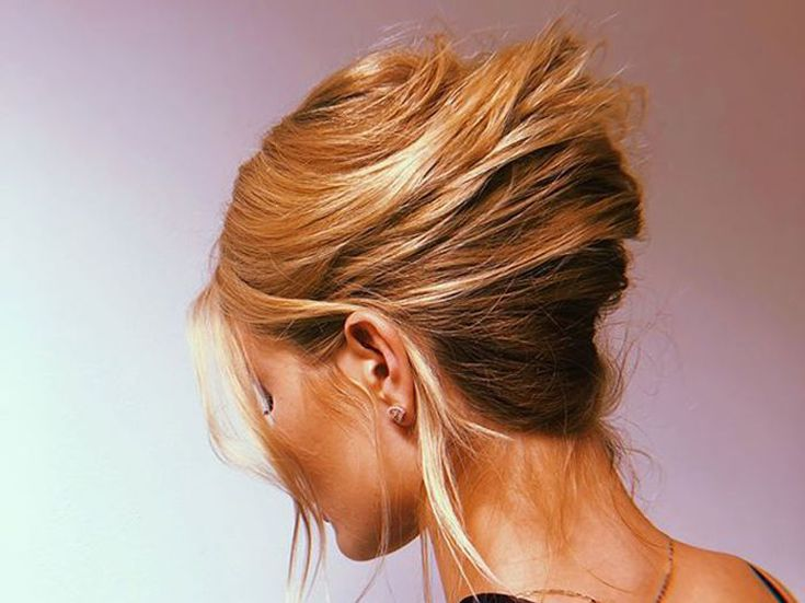 22 Greasy Hair Hairstyles For When Washing Is Not An Option