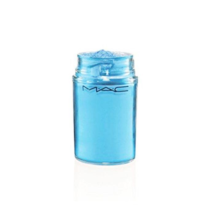 How to wear blue eyeshadow: Mac Pigment in Hi Def Cyan