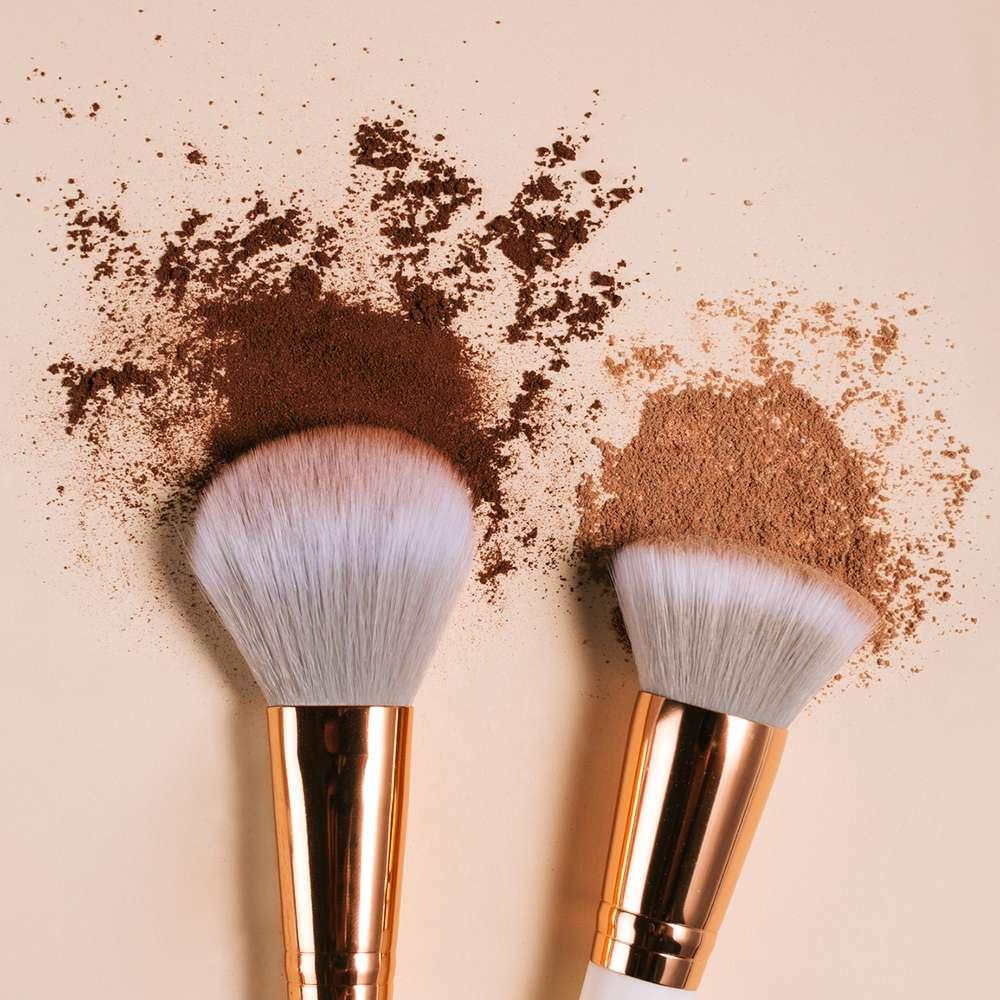 powder sunscreen foundation makeup brushes
