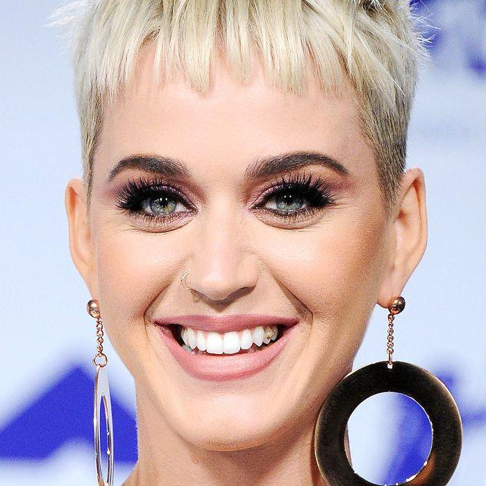 Katy Perry piecey blonde pixie