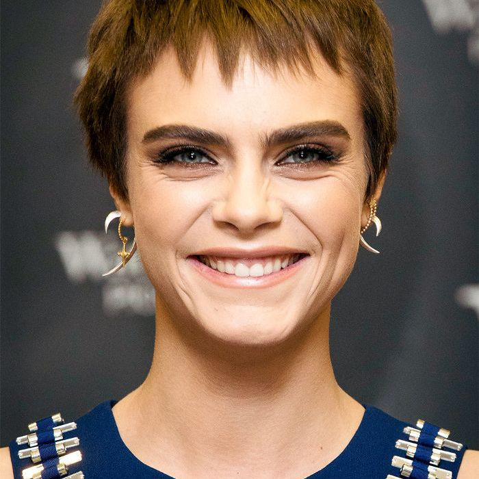 Cara Delevingne short brown hair