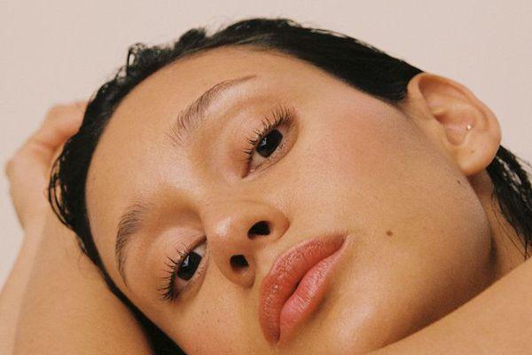 Braina Laviena wearing minimal makeup