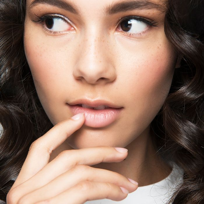 6 Vitamins for Nails You Need in Your Life