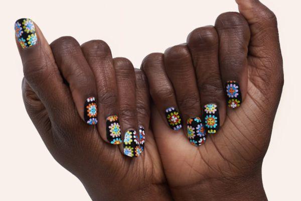 manime gel sticker manicure