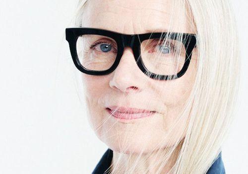 woman in large black eye glasses