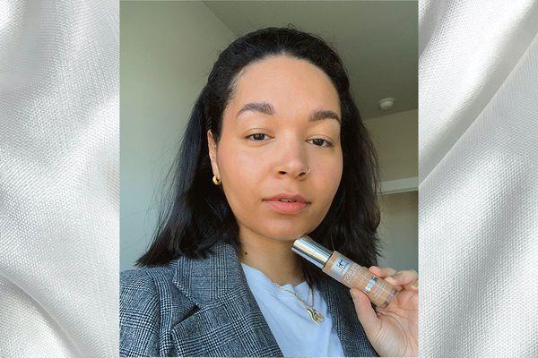 woman wearing it cosmetics foundation